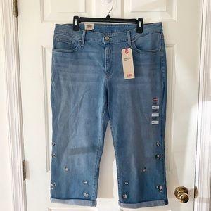 Floral Levi's Shaped Capri Jeans